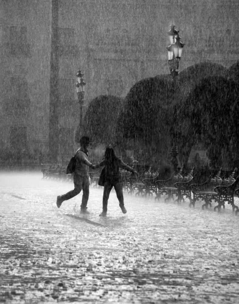 Falling_rain_in_mexico-804x1024