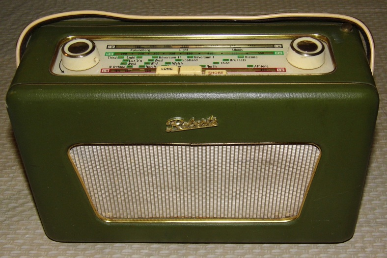 Vintage_Roberts_Portable_Transistor_Radio,_Model_R500,_Multi-Band_-_MW-LW-SW,_7_Transistors,_Made_In_Great_Britain,_Circa_1963_(13223583534)
